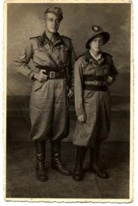 Hugo Pratt avec son père, 1941